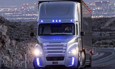 Daimler Trucks investe meio bilhão de Euros em caminhões autônomos