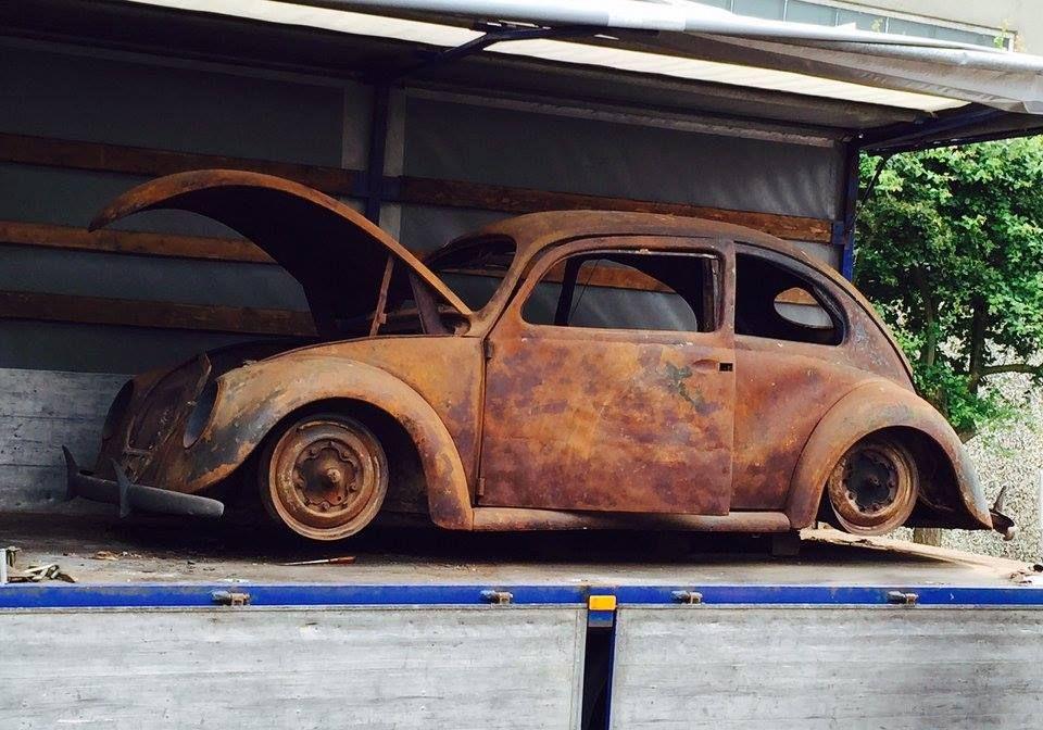 O mesmo carro após o incêndio