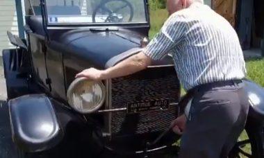 Ford T Pickup de 1927, comprado há 70 anos