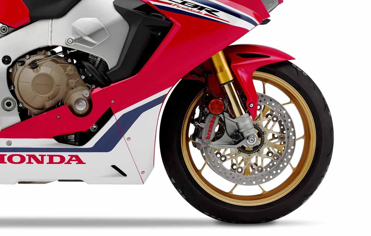 1ª moto Honda equipada com suspensão dianteira e traseira Öhlins S-EC, um garfo NIX30 de 43 mmØ e um amortecedor TTX36.