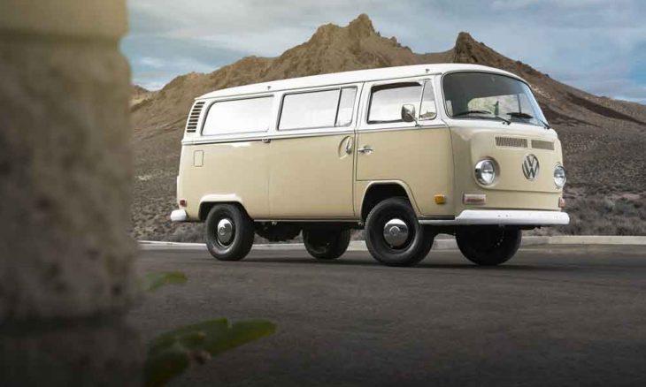 A Volkswagen transforma uma Kombi 1972 em uma van elétrica com o motor de um e-Golf