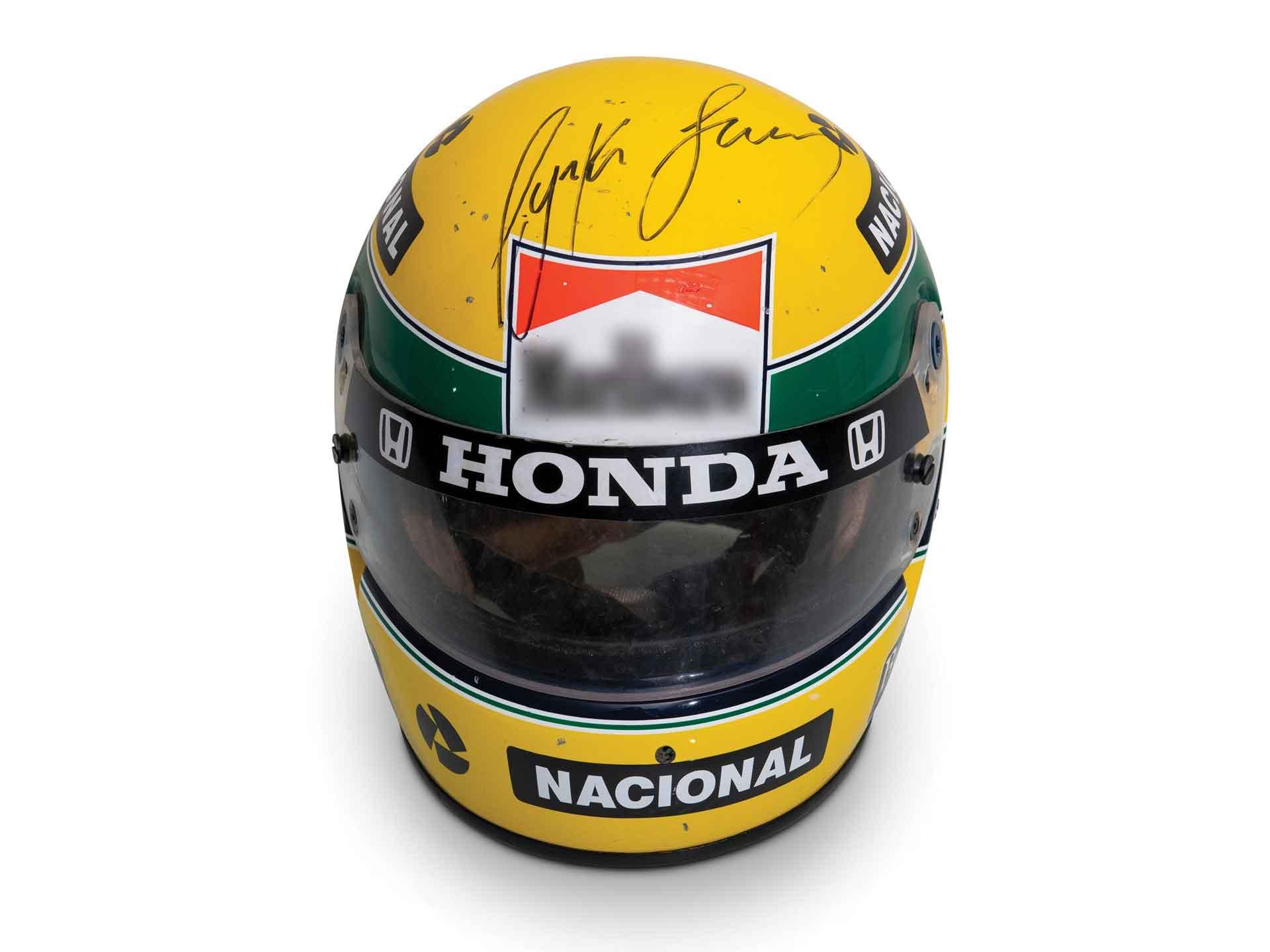 Capacete autografado de Ayrton Senna é vendido por mais de R$ 400 mil