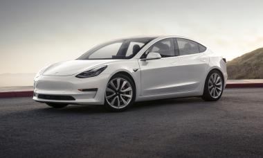 Carros da Tesla vão falar com pedestres
