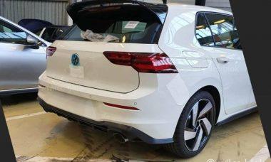 Novo VW Golf GTI aparece em imagem vazada