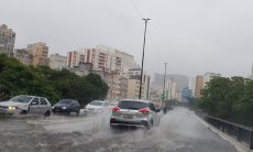 Como reduzir o prejuízo com carro numa enchente