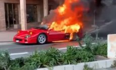 Ferrari F40 pega fogo em Mônaco