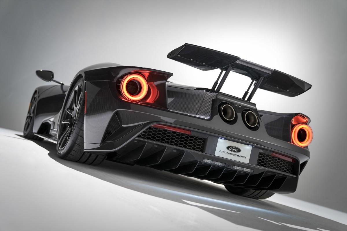 Ford estreia novo GT com edição especial  em carbono