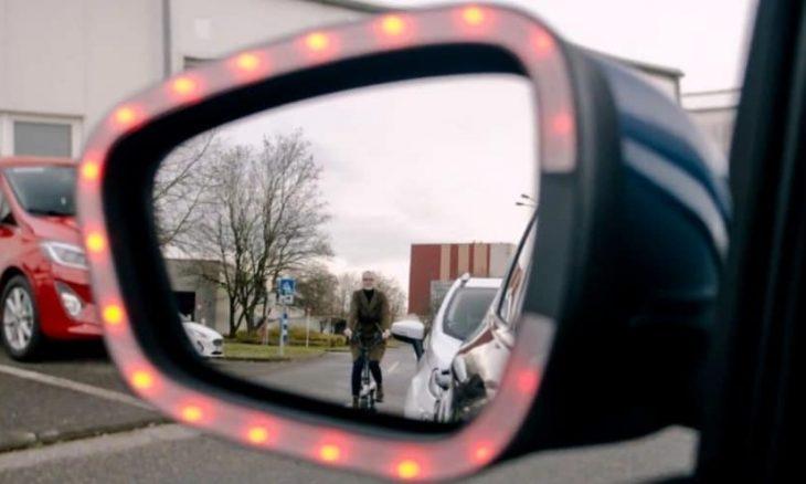 Ford desenvolve tecnologia para evitar acidentes de ciclistas com portas abertas