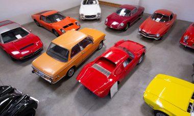 Casal doa coleção de carros de US$ 10 milhões para universidade