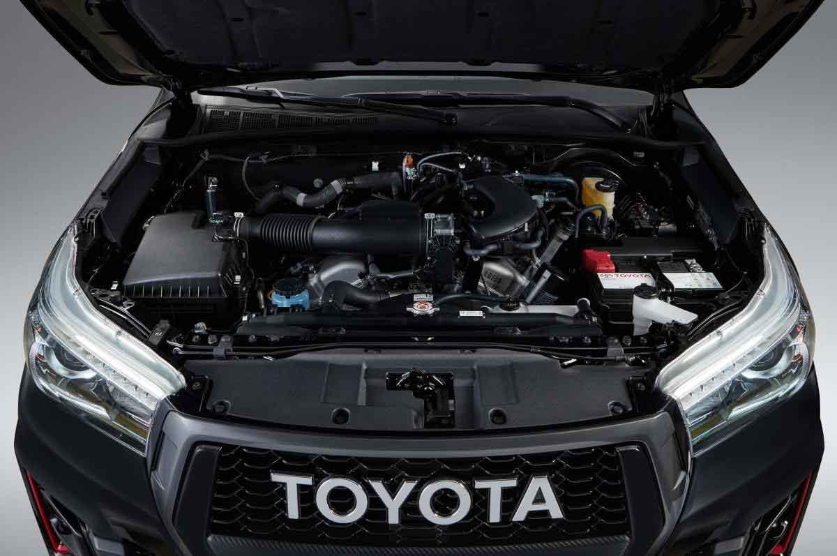 V6 a gasolina equipada com o motor1GR 4.0L V6 24V DOHC, com duploVVTide 234cv