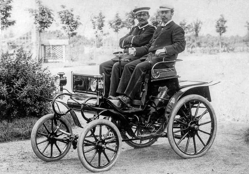 """Na primavera de 1899, o primeiro """"sistema Lutzmann"""" de automóveis da patente da Opel foi fabricado em Rüsselsheim."""