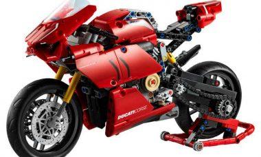 Ducati Panigale V4 R vira miniatura de Lego com motor e câmbio