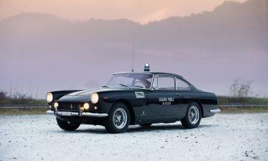 Ferrari policial de 1962 está à venda na Europa