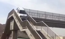 Vídeo: Motorista de Suzuki Jimny usa passarela para fazer retorno
