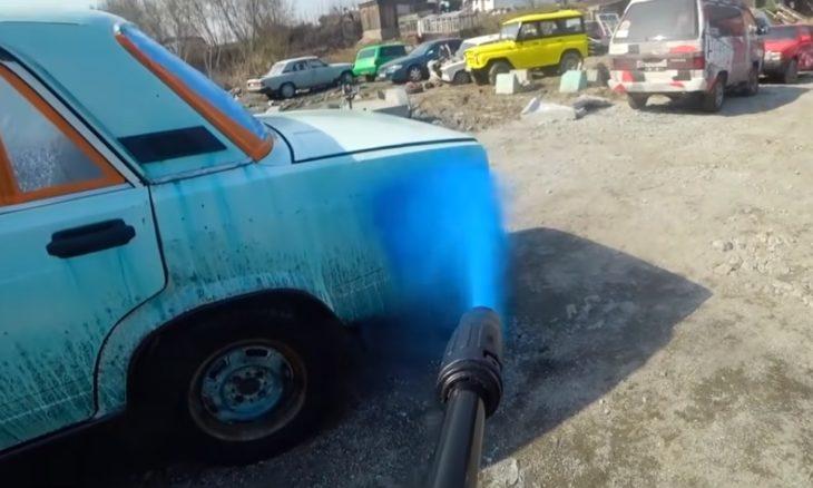 Youtuber mostra se é possível pintar carro com lavadora de alta pressão