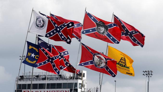 Nascar decide banir a bandeira confederada