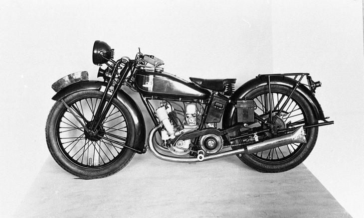 Conhecida pelos carros, Mazda já fabricou uma moto de corrida