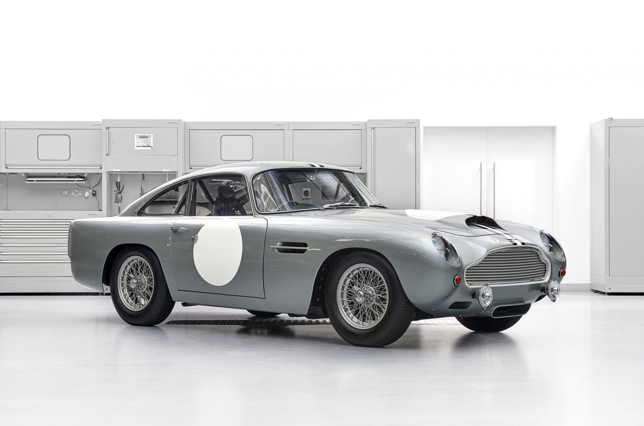 Aston Martin retoma venda de carro lançado em 1959