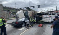 Câmera flagra momento em que caminhão esmaga viatura policial