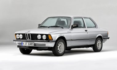 BMW Série 3 completa 45 anos