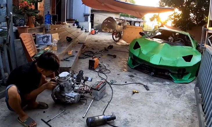 Youtuber cria réplica de Lamborghini com papelão