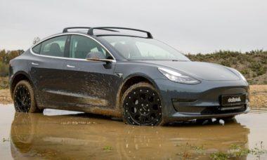 Empresa transforma um Tesla Model 3 em um quase SUV