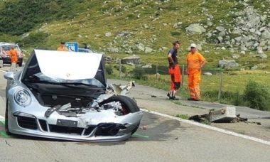 Acidente com Bugatti e Porsche causa prejuízo milionário na Suíça