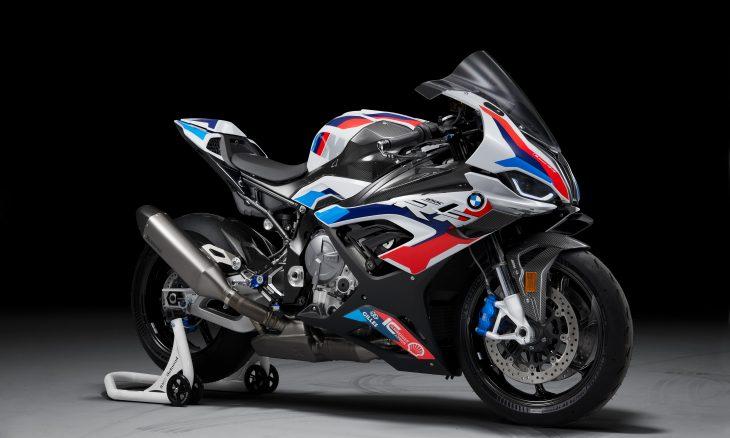 """BMW revela a M 1000 RR, primeira moto da divisão esportiva """"M"""""""