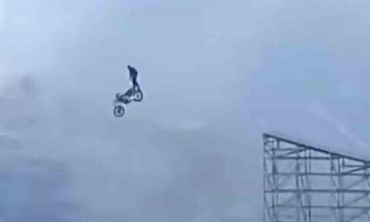 Vídeo mostra o incrível salto de moto de Tom Cruise para o novo 'Missão Impossível'. Foto: reprodução Youtube