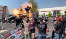 Vídeo: Picape explode durante teste em dinamômetro