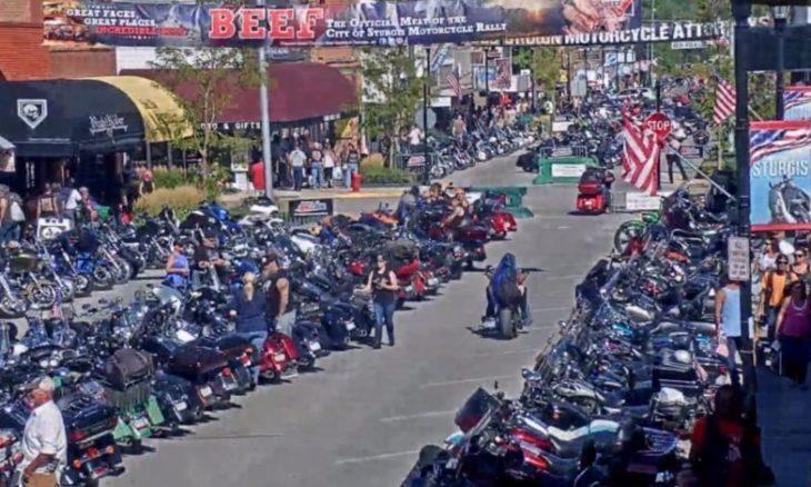Encontro de motociclistas seria responsável por mais de 260 mil casos da Covid-19