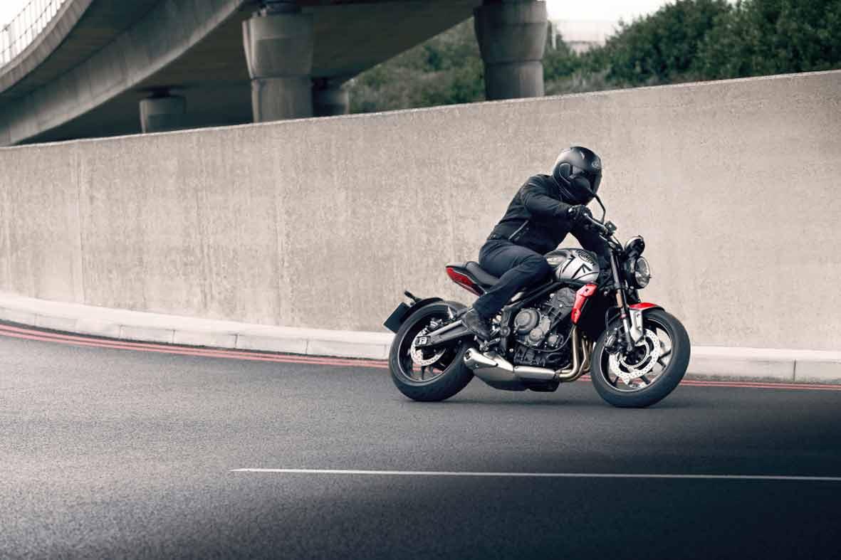 A nova Trident 660 apresenta um estilo e uma personalidade roadster únicos e contemporâneos da Triumph. Foto: Divulgação