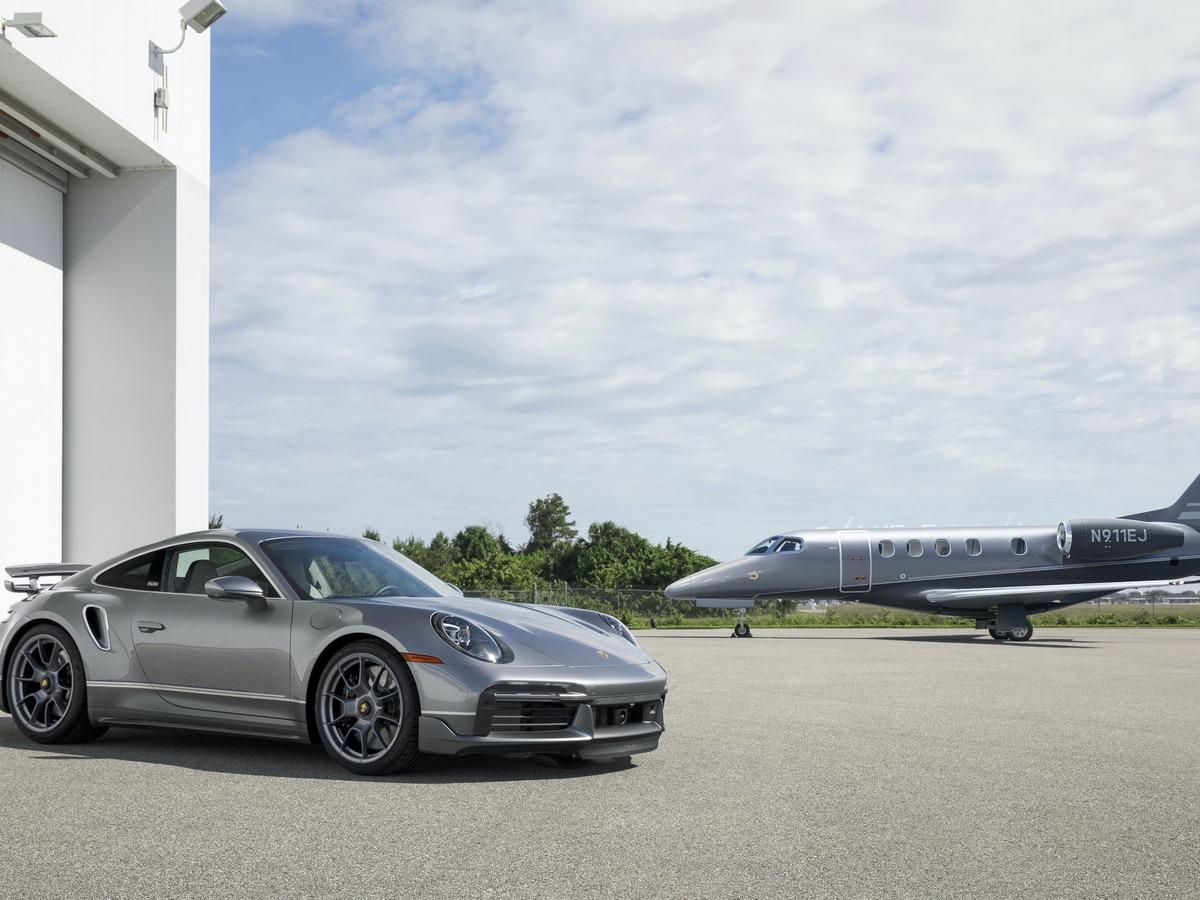 """Porsche e Embraer se unem para criar carro e aviões """"gêmeos"""""""