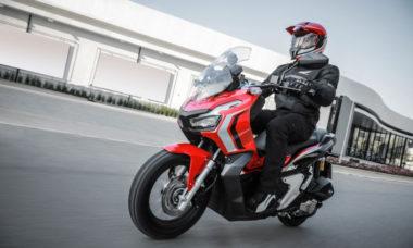 Honda ADV 150 estreia no Brasil por R$ 17.490