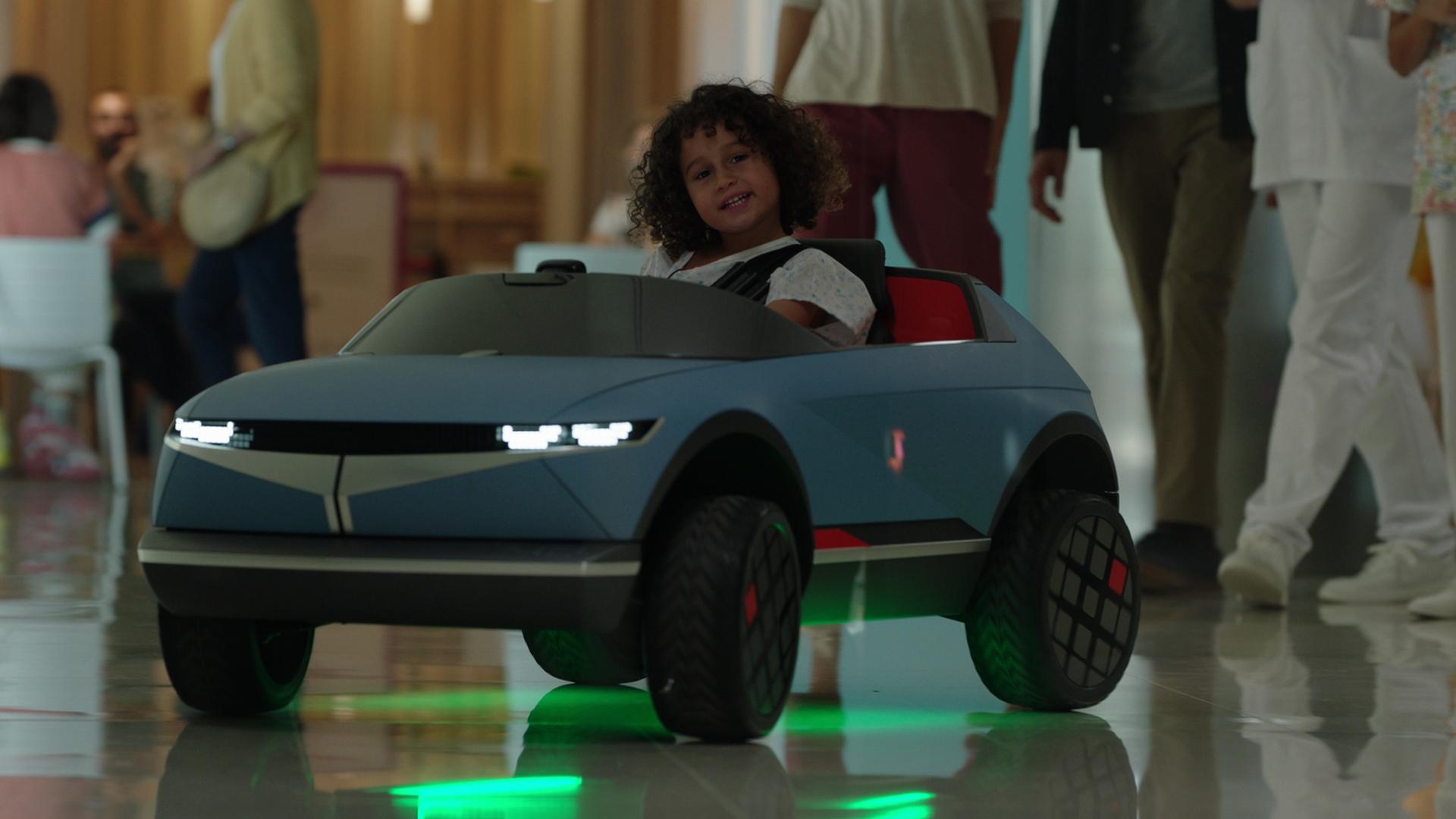 """Mini Hyundai """"45"""" é usado no tratamento de crianças em hospital espanhol"""