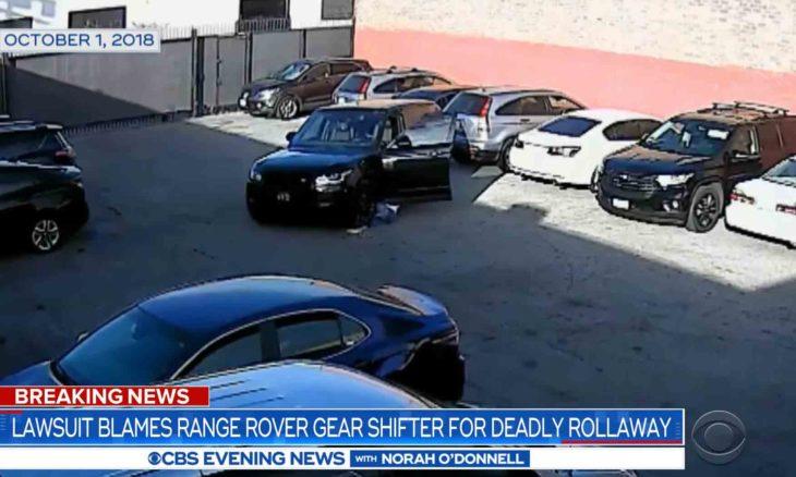 Mulher é atropelada por seu próprio Range Rover e viúvo diz que botão da marcha é o culpado; veja o vídeo. Foto: Reprodução Youtube