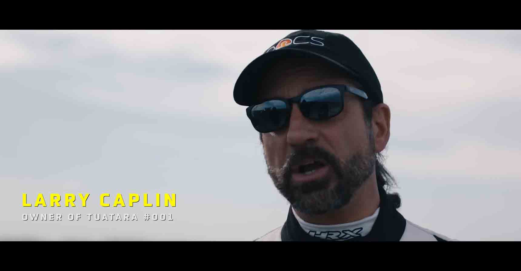 Dr. Larry Caplin, um cliente SSC pilotou o carro que bateu o recorde.  Foto: reprodução Youtube