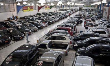 Alta do ICMS compromete venda de veículos usados em SP, diz Fenabrave