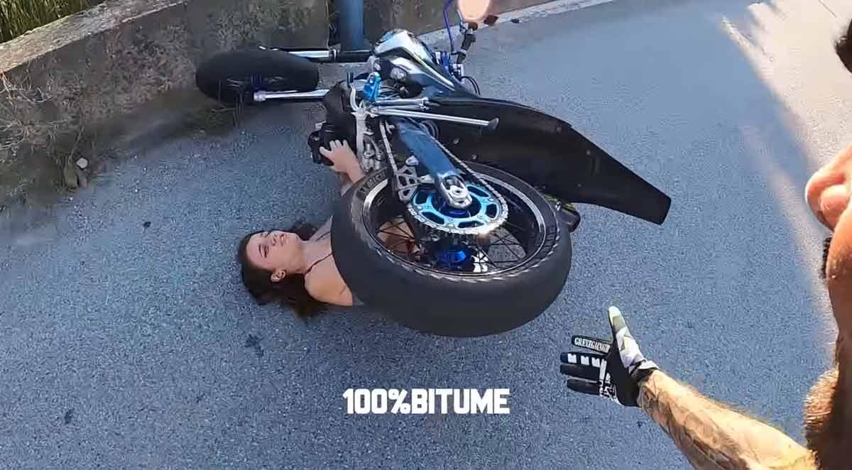 Youtuber fazendo manobras na rua atropela fotógrafa, veja o vídeo. Foto: Reprodução Youtube