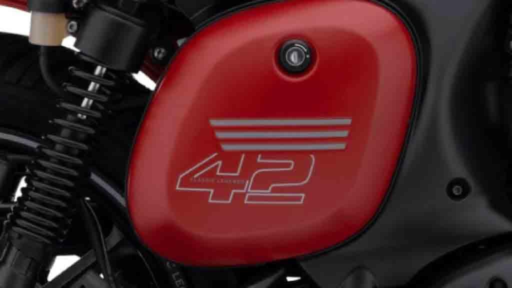 A bem sucedida linha retro da Jawa 42  é ainda enriquecida com um excelente grafismo. Foto: Divulgação