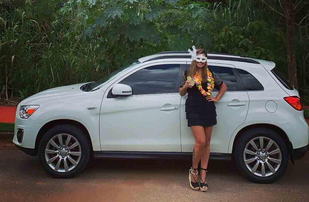 Ex-namorada de Bárbara Labres e atual Kevinho, dá carro de R$ 126 mil para a mãe. Foto: Reprodução Instagram