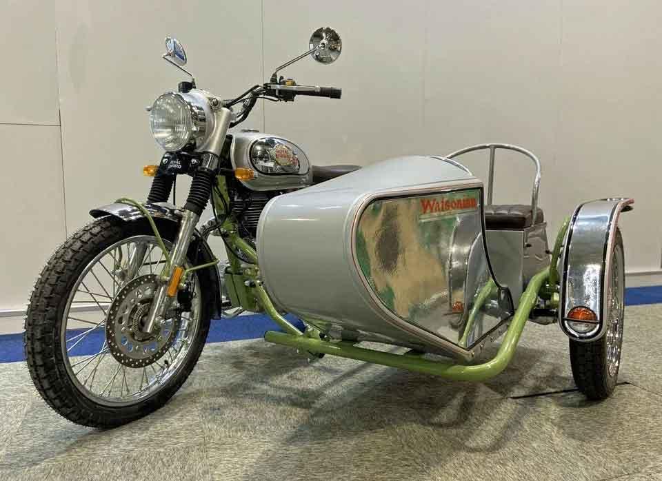 Empresa que produziu sidecar para filme de Harry Potter vende sidecars para modelos Royal Enfield. Foto: reprodução Facebook