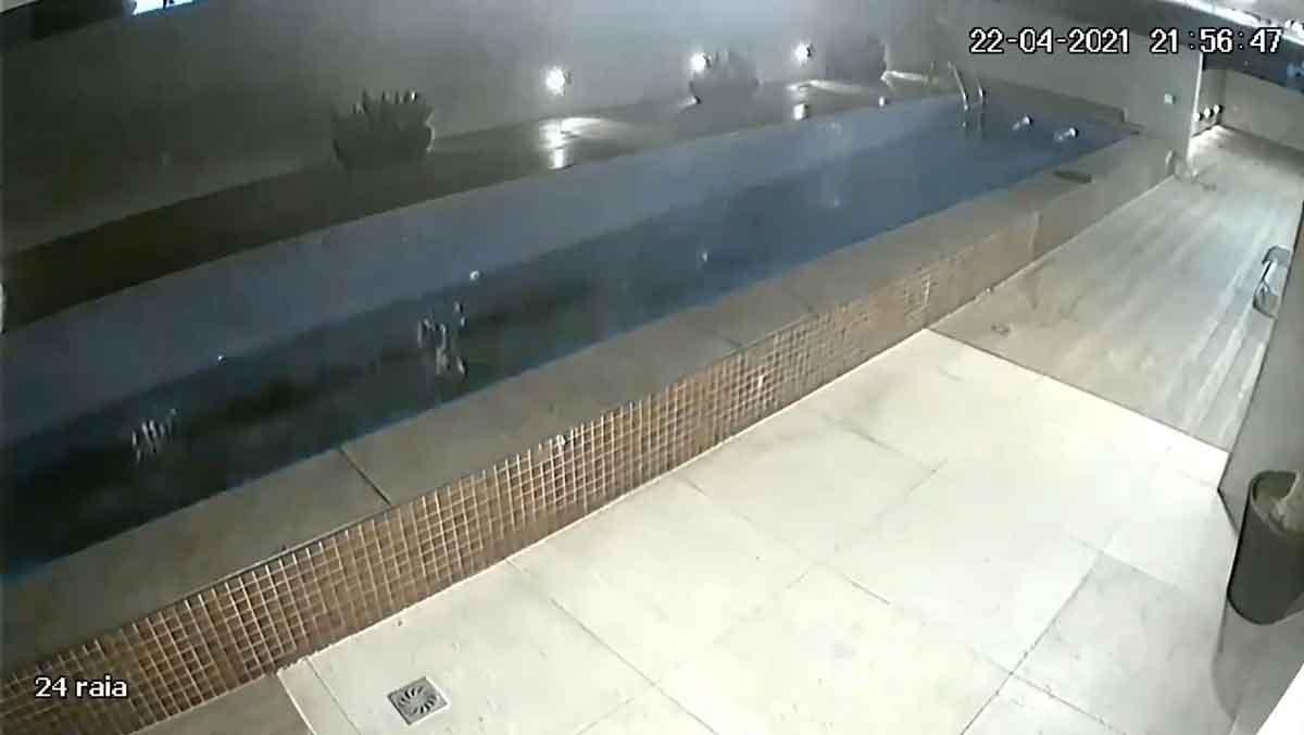 Piscina desaba  sobre a garagem em edifício de luxo no ES; Veja o vídeo. Foto: Reprodução Twitter
