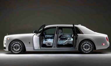 Exagero? Casal compra dois Rolls-Royce's como presente de casamento. Foto: Divulgação