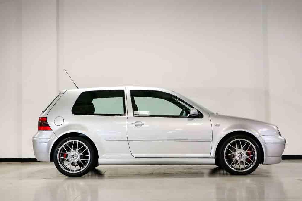 Volkswagen Golf GTI 2002 com apenas 12 km, será leiloado. Foto: Divulgação